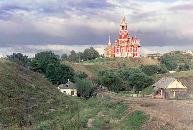 General view of the Nikolaevskii Cathedral from southwest in Mozhaisk in 1911