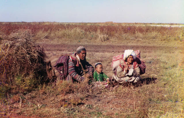 Nomadic Kirghiz on the Golodnaia Steppe in present-day Uzbekistan and Kazakhstan, ca. 1910